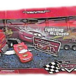 Disney / Pixar CARS Movie Playset EXCLUSIVE Mack Truck with Runaway Racer PVC Figure McQueen